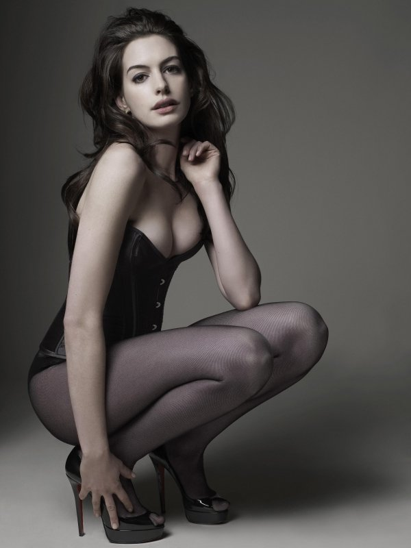 Anne Hathaway | Model Poses | Pinterest | Anne hathaway and Wallpapers